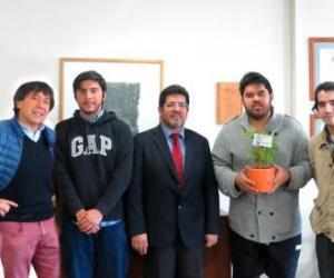 Estudiantes de Ingeniería Industrial obtienen primer lugar con novedoso proyecto de reciclaje en IMPACTÓN Hackathon