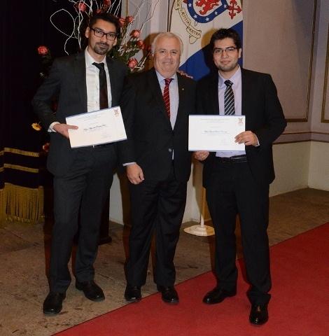 Egresados destacados de Ingeniería Civil y de Ejecución Industrial reciben becas para cursar postgrado