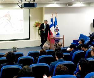 """""""Seminario: """"La digitalización en Chile: transformación de las personas""""."""