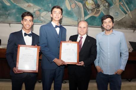 (Español) Ganadores de Premio Euler valoran incentivo de nuestra institución para su excelencia académica