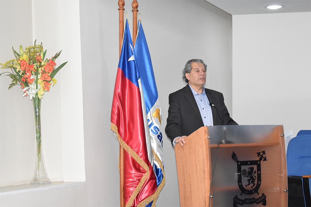 (Español) Experto introduce a estudiantes del Departamento de Ingeniería Industrial en el neuromarketing y advierte sobre sus aplicaciones