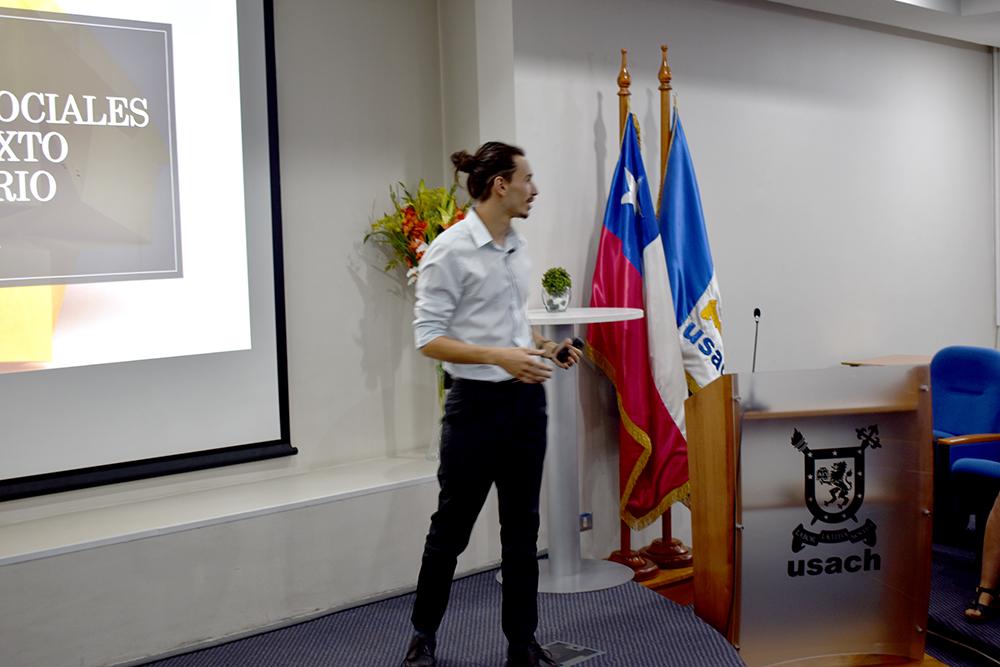 Coloquio organizado por estudiantes del Departamento de Ingeniería Industrial abordó los factores psicosociales del bienestar de los jóvenes universitarios