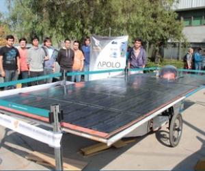 Estudiantes de Ingeniería Industrial potencian proyecto para construir tercer auto solar de la Universidad