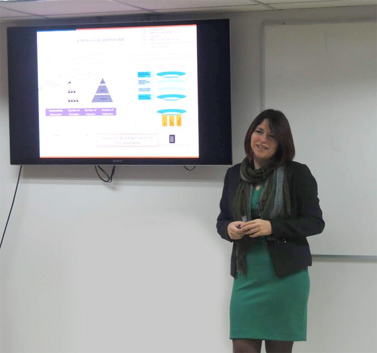 Dra. Andrea Espinoza propone una nueva mirada medioambiental a la optimización de sistemas